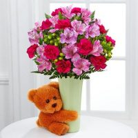 the big hug bouquet by FTD is the gift for your darling on this Hug Day...