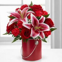 FTD Flower Arrangements for Valentine's Day. Best floral gift for Valentine's day.
