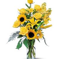The roses and sunflowers bouquet - SAME DAY DELIVERY in GTA & Toronto General Hospital - Aurora flower delivery - Best buy