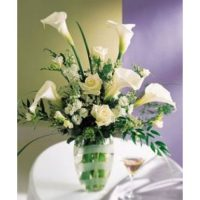 Calla lily flowers bouquet, the symbol of love, purity, innocence and beauty.