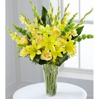 The FTD Flowers Ray Bouquet - Same Day Delivery anywhere in GTA - We deliver through Toronto flower delivery of Yonge flower shop - 10% OFF - Buy today – Florists York – Florists near me – Florists Canada.