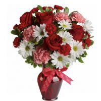 Hugs and Kisses Bouquet for your partner on this anniversary