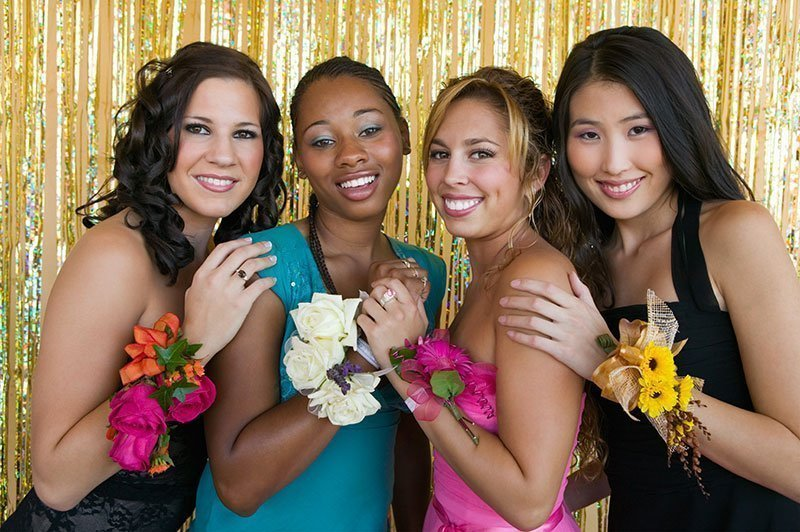 Corsage Prom And The Details You May Want To Know About Corsages