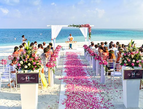 How To Use Flowers For Your  Beach Wedding Event?