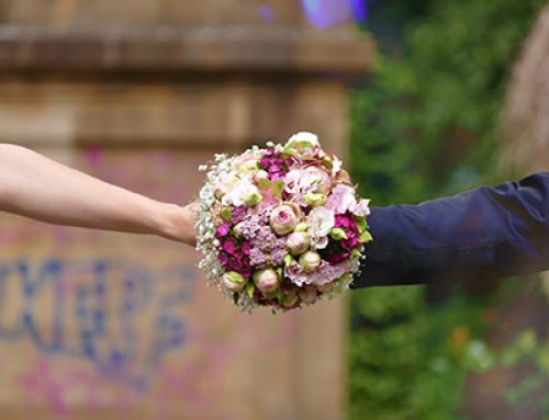 Avoid Over-Budgeting , Plan The Average Cost Of Wedding Flowers