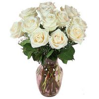 White_12-Roses_In_a_Vase
